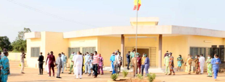 Inauguration de nouveaux Centres des Impôts à Abomey et Comè : les usagers bénéficient désormais d'un cadre d'accueil sain et commode